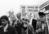 CND Easter peace march leaving London 1964 to Aldermaston Atomic Weapons Research Establishment - Romano Cagnoni - 1960s,1964,activist,activists,Anti War,Antiwar,BAME,BAMEs,black,BME,bmes,campaign,Campaign for Nuclear Disarmament,campaigners,campaigning,CAMPAIGNS,cities,City,CND,CND symbol,DEMONSTRATING,Demonstrat