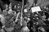 AUEW staff strike for London weighting pay increase 1974. Police try to clear a way through the pickets for the union leaders, including Hugh Scanlon, Bob Wright and John Boyd (L) - NLA - 08-11-1974