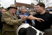 Horsmonden Horse Fair, is held in the hop growing area in the Weald of Kent. Red Lee Smith, (black top) successfully persuades Gilbert Smith, the seller of the horse to reduce his asking price.This Ch... - David Mansell - ,2010s,2015,bargaining,break,buy,buyer,buyers,buying,commodities,commodity,communicating,communication,conversation,conversations,dialogue,discourse,discuss,discusses,discussing,discussion,domesticate