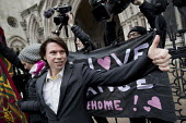 Lauri Love, Finnish-British activist accused and fighting extradition for stealing data by hacking United States Government computers. Royal Courts of Justice, London - Jess Hurd - 2010s,2018,accused,activist,ACTIVISTS,banner,banners,camera,cameras,campaigner,campaigners,CAMPAIGNING,CAMPAIGNS,civil rights,COMPUTE,COMPUTER,computers,COMPUTING,data,defendant,defendants,DEMONSTRATI