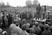 Mass meeting of Chrysler workers, Stoke Green,, Coventry 1975 facing redundancies to save the factory as Crysler make a loss - NLA - 1970s,1975,Car industry,Chrysler,cities,City,Coventry,FACTORIES,factory,job loss,Job Losses,jobs,loss,losses,Mass,Mass Meeting,mass meetings,meeting,MEETINGS,member,member members,members,multinationa