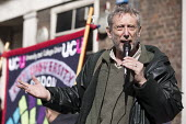 Childrens author and lecturer Mike Rosen speaking on his first strike. UCU university lecturers pensions strike, London - Jess Hurd - 14-03-2018
