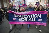 UCU university lecturers pensions strike protest, London - Jess Hurd - 2010s,2018,activist,activists,banner,banners,CAMPAIGN,campaigner,campaigners,CAMPAIGNING,CAMPAIGNS,DEMONSTRATING,Demonstration,DEMONSTRATIONS,dispute,disputes,FEMALE,Industrial dispute,lecturers,Londo