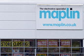 Maplin electronics store closing, Stratford upon Avon, Warwickshire. The retailer, which has 2,300 employees, has entered administration - John Harris - 2010s,2018,administration,bankrupt,bankruptcy,business,buy,buyer,buyers,buying,close,CLOSED,closing,closing down,closure,closures,communicating,communication,company,DOWNTURN,EBF,Economic,Economy,ELEC