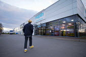 Maplin electronics store closing, Stratford upon Avon, Warwickshire. The retailer, which has 2,300 employees, has entered administration - John Harris - 15-03-2018