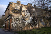 Suffragette mural Lord Morpeth pub, Bow, East London, commemorating Sylvia Pankhurst and the East London Federation of the Suffragettes by artist Jerome Davenport - Jess Hurd - 22-03-2018