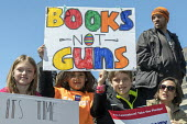 Washington DC, USA March for Our Lives opposing gun violence and mass shootings in American schools. The march was organized by students from Marjory Stoneman Douglas High School, Parkland, Florida, w... - Jim West - 24-03-2018