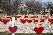 Chicago, USA Crosses representing those killed by guns in the city during the first three months of 2018. Since 2016, retired carpenter Greg Zanis has made wooden crosses to remember each homicide vic... - Jim West - 08-04-2018