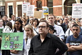 Vigil for Justice defending legal aid, Justice Alliance, Ministry of Justice, London. Tony Rice whose human rights were directly affected by cuts in the legal system - Stefano Cagnoni - 18-04-2018