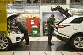 Jaguar Land Rover factory, Solihull - John Harris - 2010s,2017,assembly,AUTO,AUTOMOBILE,AUTOMOBILES,automotive,car,Car Industry,carindustry,cars,EBF,Economic,Economy,employee,employees,Employment,engineer,engineers,FACTORIES,factory,FEMALE,Jaguar,Jagua