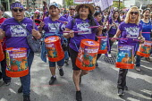 California, USA: Community and immigrant rights organizations march through Oakland to celebrating May Day - David Bacon - 2010s,2018,activist,activists,BAME,BAMEs,BME,bmes,California,campaigner,campaigners,CAMPAIGNING,CAMPAIGNS,CELEBRATE,celebrating,DEMONSTRATING,Demonstration,Diaspora,diversity,drum,drummer,drummers,dru