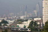 Smog over the City of London after unseasonally high May temperatures - Jess Hurd - 08-05-2018