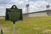 New Orleans, Louisiana, USA: A historical marker where the Industrial Canal Food Wall failed during Hurricane Katrina, flooding the lower ninth ward - Jim West - 2010s,2018,America,BAD,Canal,communicating,communication,defence,DEFENSE,disaster,DISASTERS,ENI,environment,Environmental Issues,EXTREME,flood,Flood Plain,flood wall,flooded,flooding,floods,Food,FOODS