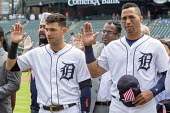 Detroit, Michigan USA Immigrants are sworn in as new US citizens in a ceremony before a Detroit Tigers baseball game, Comerica Park. Tigers shortshop Jose Iglesias (L) and center fielder Leonys Martin... - Jim West - 25-06-2018