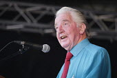 Dennis Skinner MP Labour Party speaking, 2018 Durham Miners Gala - Mark Pinder - 2010s,2018,County Durham,DMA,Durham Miners Gala,Durham Miners' Gala,Labour Party,member,member members,members,MINER,Miners,MINER'S,MP,MPs,NUM,Party,politician,politicians,SPEAKER,SPEAKERS,speaking,sp