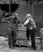 Building workers taking a break, construction site Coventry Lanchester Polytechnic 1980 - John Harris - 10-10-1980