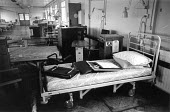 Closed wards and empty beds due to cuts, The Robert Jones and Agnes Hunt Orthopaedic Hospital, Owestry, Shropshire 1988 - John Harris - 1980s,1988,bed,beds,close,closed,closing,closure,closures,cuts,disused,empty,HEA,Health,HEALTH SERVICES,healthcare,hospital,hospitals,National Health Service,NHS,Orthopaedic,PEOPLE,PUBLIC SERVICES,ser