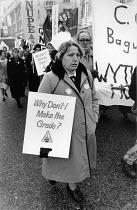 Nurses protest regrading as degrading, Manchester 1988 - John Harris - 22-11-1988