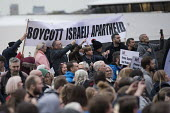 Labour Party Conference rally, Liverpool Pier, 2018. Boycott Israeli Apartheid banner - Jess Hurd - 22-09-2018
