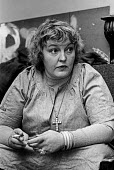 Erin Pizzey 1977, family care activist and a novelist, founder of the first domestic violence shelter, Chiswick Womens Aid in 1971. Haven House was the first womens refuge removing victims of domestic... - NLA - 05-10-1977