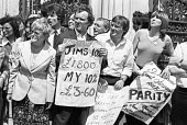 Half day pay strike by civil servants picketing House of Commons, London 1978 - NLA - 29-07-1978