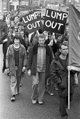 Building workers protest against The Lump and for direct labour, Warrington 1978 - NLA - 10-10-1978