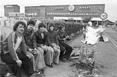 Bakers union national pay strike, 1978. Picket line, Scott's Bakery, Netherton, Merseyside - NLA - 15-11-1978