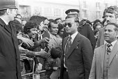 General Zia-ul-Haq president of Pakistan visiting Brick Lane, East London 1980 after staging a military coup in 1978 removing President Bhutto - NLA - 1980,1980s,Bhutto,Brick Lane,London,military,military coup,Pakistan,POL,political,POLITICIAN,POLITICIANS,Politics,president,President Zia ul Haq,removing,visit,visiting,visits