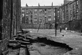 Boys playing in courtyard, Glasgow tenement 1971 - Martin Mayer - 23-06-1971