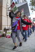 Oakland, California, USA Unite Here Hotel workers on strike against low wages, San Jose Marriott Hotel. Many workers take an additional job to make a living wage. Workers are striking Marriott Hotels... - David Bacon - 05-10-2018
