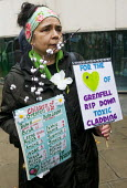 Safe Cladding and Insulation Now protest, MHCLG, London. Following the Grenfell tragedy, protest demanding safe cladding for housing and public sector buildings and proper insulation from the cold for... - Stefano Cagnoni - 17-10-2018