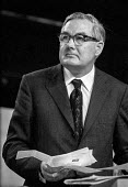 Jim Callaghan speaking 1971 Labour Party conference - Peter Arkell - 1970s,1971,conference,conferences,Jim Callaghan,Labour Party,male,man,men,MP,MPs,Party,people,person,persons,POL,political,politician,politicians,Politics,SPEAKER,SPEAKERS,speaking,SPEECH