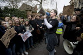 Students protest against Steve Bannon speaking at the Oxford Union, Oxfordshire. More than 100 people demonstrated in a protest organised by Oxford University, Oxford Brookes students and Stand Up to... - Jess Hurd - 16-11-2018