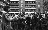 Piers Corbyn speaking to Kilner House squatters 1980. Squat Against Sales Campaign against the first GLC council house sales, Stockwell, South London - Martin Mayer - 1980,1980s,1st,activist,activists,Against,Anti privatisation,Anti privatisation,anti privatization,campaign,campaigner,campaigners,campaigning,CAMPAIGNS,cities,City,council,Council Housing,Council Hou