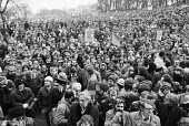 Huge protest against unemployment, Glasgow 1981 - NLA - 1980s,1981,activist,activists,against,CAMPAIGN,campaigner,campaigners,CAMPAIGNING,CAMPAIGNS,DEMONSTRATING,Demonstration,DEMONSTRATIONS,Glasgow,jobless,jobseeker,jobseekers,Linwood,Marginalised,people,