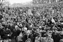 Huge protest against unemployment, Glasgow 1981 - NLA - 21-02-1981