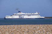 P&O ferry arriving at the Port of Dover - Paul Box - 2010s,2018,arrival,arrivals,arrive,arrives,arriving,boat,boats,Cross Channel Ferry,dock,docks,dockside,EBF,Economic,Economy,export,exports,ferries,ferry,HARBOUR,import,IMPORTED,imports,maritime,mariti