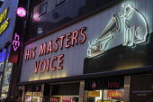 HMV flagship Oxford Street store end of year sales, His Master's Voice. HMV has gone into administration a second time, London - Philip Wolmuth - 2010s,2018,administration,bought,business,buy,buyer,buyers,buying,cities,city,commodities,commodity,consumer,consumers,crowd,crowds,customer,customers,EBF,Economic,Economy,evening,goods,high street,Lo