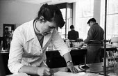 University of Cambridge 1959 Woman science student Ann Gittings from Newnham College working in the Lensfield Road chemistry laboratory 1959 - Kurt Hutton - 17-09-1959