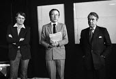 Playwright Howard Brenton 1981 with Andrew Leigh, The Old Vic (C), Laurence Harbottle, President of the Theatrical Management Association at a meeting to set up a defence fund for the 1968 Theatres Ac... - Martin Mayer - 1980s,1981,ACE,activist,activists,against,Andrew Leigh,Arts,author,authors,campaign,campaigning,CAMPAIGNS,Censored,censorship,Culture,defence,DEFENSE,DEMONSTRATING,Demonstration,gross indecency,Howard
