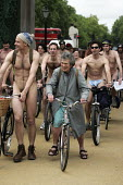 Pensioner joins the World Naked Bike Ride. Cyclists for an Oil Free Future ride naked in London to protest against oil dependency and the destructive effects of car culture. Part of London Sustainabil... - Jess Hurd - 11-06-2005