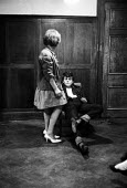 Teenagers, Backstage Youth Club, South London 1961 - Romano Cagnoni - 10-10-1961