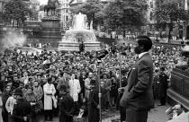 Oliver Tambo speaking, Anti Apartheid rally Trafalgar Square London 1961 - Romano Cagnoni - 1960s,1961,AAM,activist,activists,against,ANC,Anti,Anti Apartheid Movement,Anti Racism,anti racist,Apartheid,BAME,BAMEs,Black,Black and White,BME,bmes,campaign,campaigner,campaigners,campaigning,CAMPA