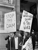 Environmentalists 1982 protest against the building of Franklin dam on the Gordon river in Tasmania, Australia, London - NLA - 1980s,1982,activist,activists,against,building,BUILDINGS,campaigner,campaigners,CAMPAIGNING,CAMPAIGNS,DEMONSTRATING,Demonstration,environment,Environmental degradation,environmentalist,environmentalis