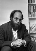 Lenni Brenner, London 1983. the American Jewish activist and writer with his book 'Zionism in the Age of Dictators' which alleged that Zionist leaders collaborated with fascism, particularly Nazi Germ... - NLA - 1980s,1983,activist,ACTIVISTS,Age,American,americans,author,authors,BAME,BAMEs,BME,bmes,campaigner,campaigners,collaboration with fascism,diversity,ethnic,ethnicity,FACISM,FACIST,Far Right,Far Right,f