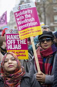 Solidarity with the Windrush generation placard, Stand Up to Racism march and rally, London. UN Anti Racism Day - Jess Hurd - 2010s,2019,activist,activists,against,Anti Racism,anti racist,BAME,BAMEs,bigotry,Black,Black and White,BME,bmes,CAMPAIGNING,CAMPAIGNS,DEMONSTRATING,Demonstration,DEMONSTRATIONS,DISCRIMINATION,diversit