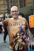 The Knights Templar T-shirt, Pro Brexit protests on the day the UK was meant to leave the EU, Westminster, London - Jess Hurd - 2010s,2019,activist,activists,against,Brexit,CAMPAIGNING,CAMPAIGNS,DEMONSTRATING,demonstration,EU,European Union,Far Right,Far Right,leave,London,nationalism,protest,PROTESTER,PROTESTERS,protesting,PR