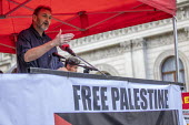Kevin Courtney NEU speaking National Demonstration for Palestine, London - Jess Hurd - 2010s,2019,activist,activists,against,CAMPAIGNING,CAMPAIGNS,DEMONSTRATING,Demonstration,Gen Sec,Kevin Courtney,London,member,member members,members,NEU,Palestine,Palestine Solidarity Campaign,Protest,