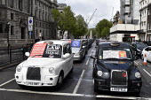 Licensed Taxi Cab drivers blockade, Whitehall, London, protest against plans by TFL to ban them from central roads in an effort to improve air quality in London - Stefano Cagnoni - 08-05-2019