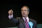 Nigel Farage speaking, Brexit Party rally, Willenhall, Wolverhampton - John Harris - 2010s,2019,Brexit,Brexit Party,campaign,campaigning,CAMPAIGNS,DEMOCRACY,election,elections,EU,European Parliament election,European Union,far right,far right,Leave,mep,meps,nationalism,nationalist,nat